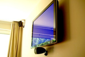 Flat screen tv mount assembly